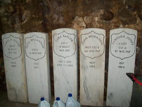 Delavan Civil War Tombstones