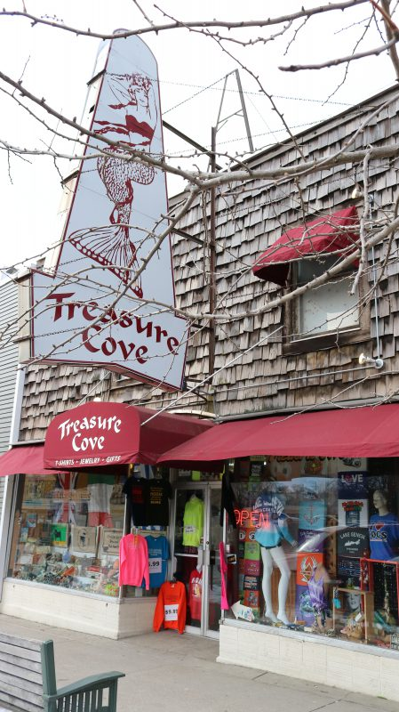 Treasure Cove in Lake Geneva