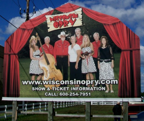Wisconsin Opry Sign back at Dells