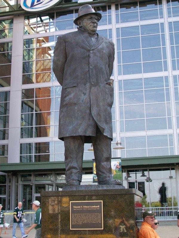 Coach Lombardi statue