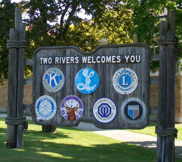 Two Rivers sign