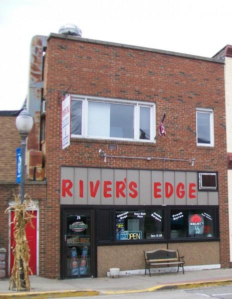 Jeff's River's Edge in Montello