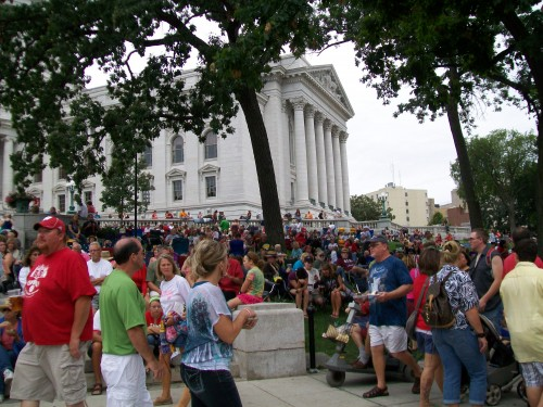 Taste of Madison crowd