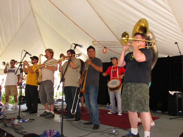 Mama Digdown's Brass Band
