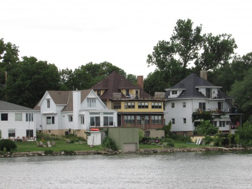 Lake Monona Houses