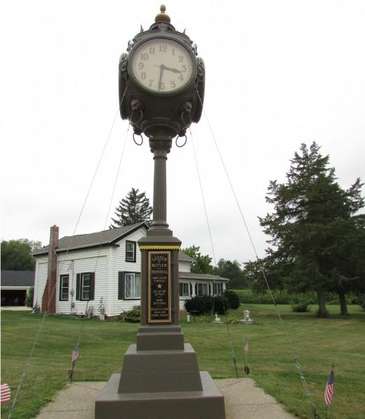 Shopiere Clock