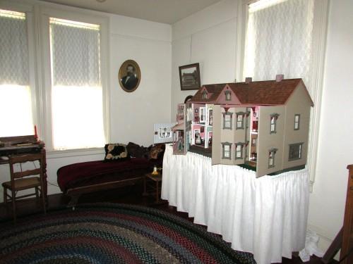 Dean House living room
