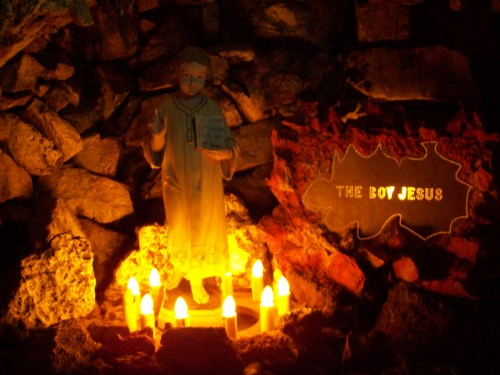 Boy Jesus display in Wonder Cave at Rudolph Grotto