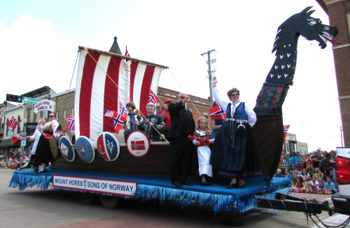 Mt. Horeb Sons of Norway float