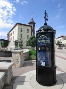 Paramount Plaza info