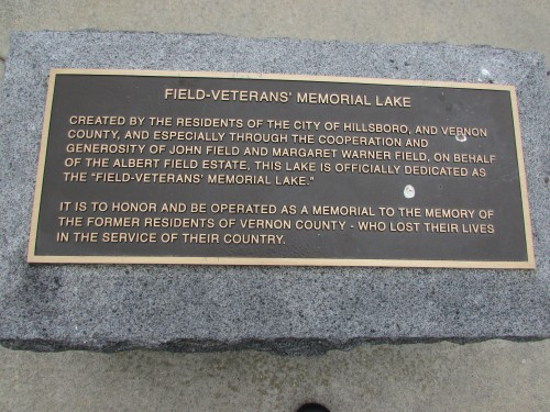 Field Vets Memorial Lake plaque in Hillsboro