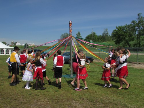 Maypole Dance in Hillsboro
