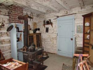 Hillsboro Log Cabin inside
