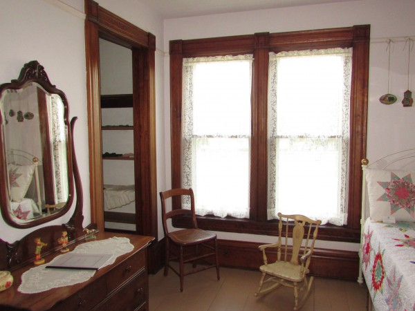 Larson House bedroom