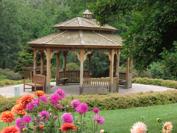 Dubuque Garden gazebo