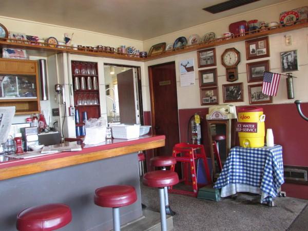 Monticello M & M Cafe inside