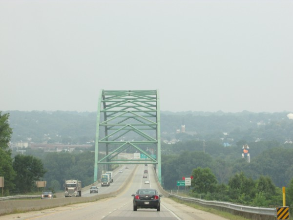 Wisconsin Bridge into Dubuque