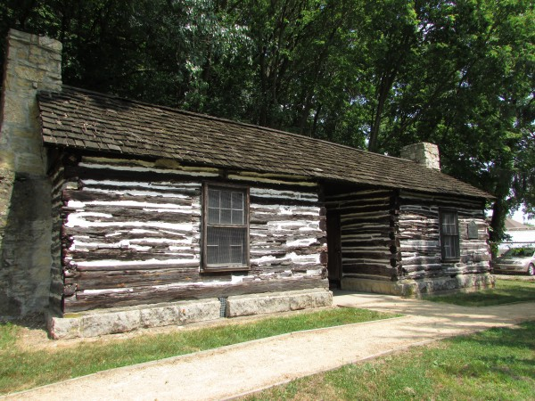 1827 Log Cabin in Dubuque