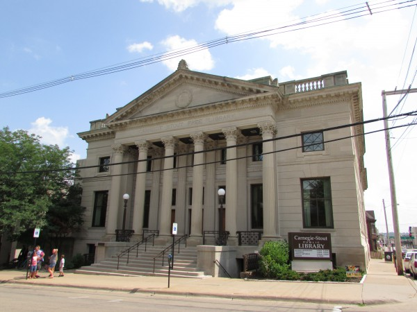 Carnegie Stout Public Library in Dubuque