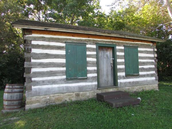 Pauline Jacobus cabin in Edgerton