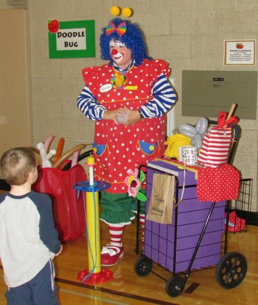 Doodlebug the Clown at AppleFest