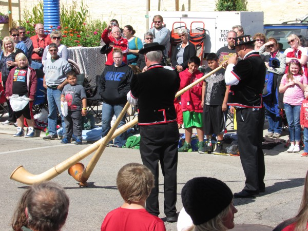 Alphorns at Cheese Days