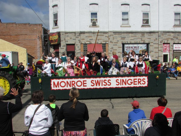 Monroe Swiss Singers at Cheese Days