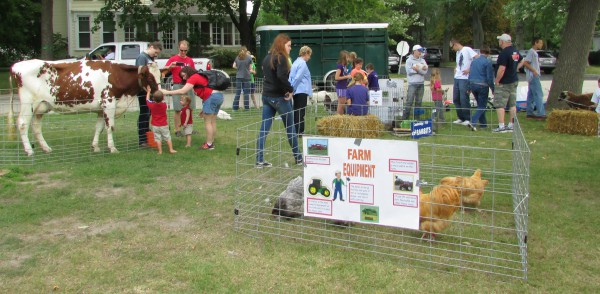 Petting Zoo by Cambridge FFA at Fall Festival