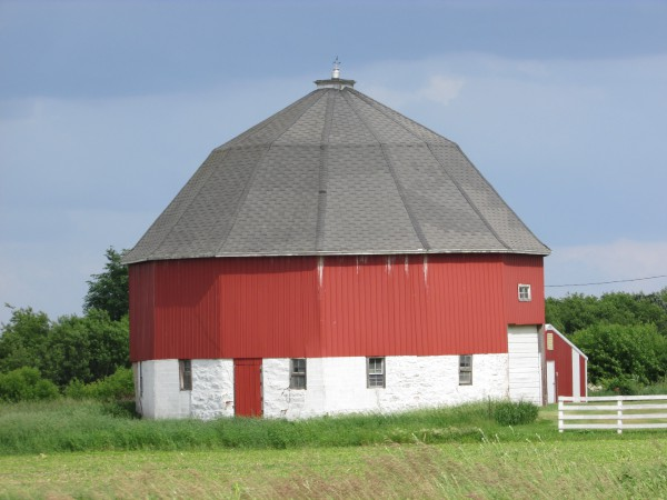 Octagon Barn near Hillsboro