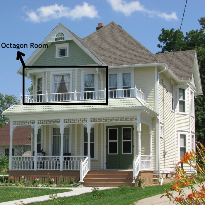 We stop for octagon houses and barns adventures in travel for Octagon homes