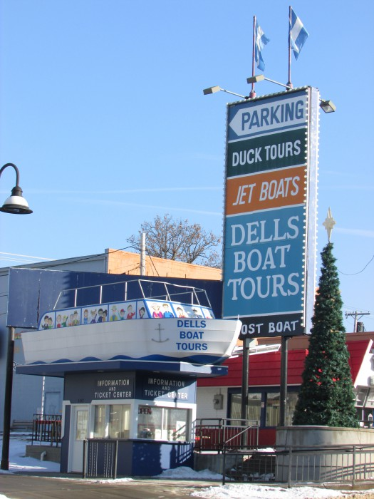Dells Boat Tour ticket booth
