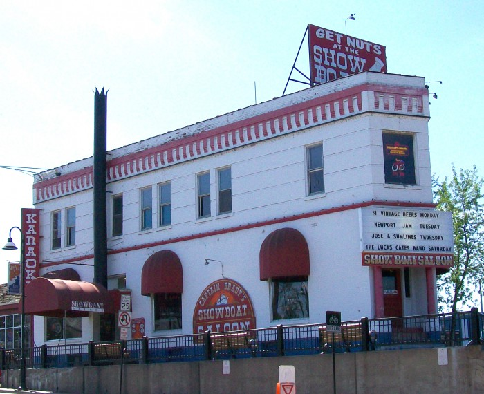 Showboat Saloon in the Dells