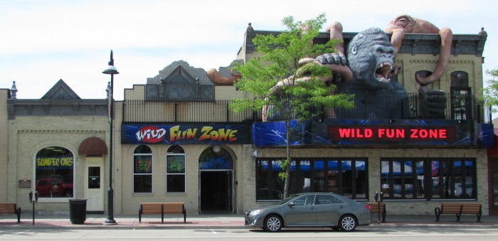 Wild Fun Zone Stroud bank in Wisconsin Dells on Broadway