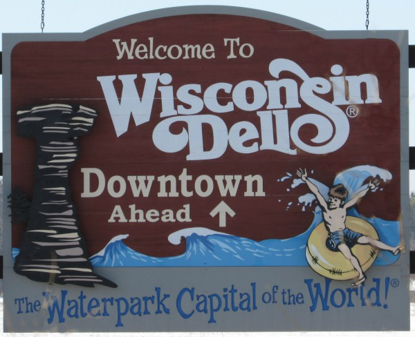 Wisconsin Dells sign