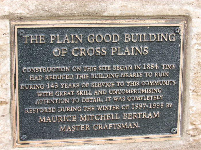 Plain Good Building plaque in Cross Plains