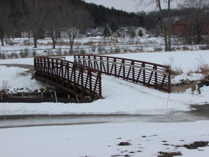 Black Earth Creek and bridge in Cross Plains