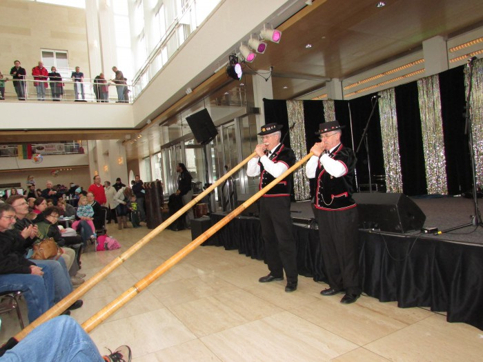 Swiss Alphorn players at International Festival
