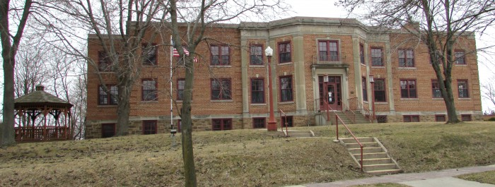 Former Reedsburg Municipal Hospital