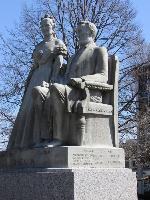 Lincoln Statue in Racine