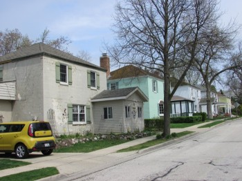 Backward Houses in Greendale