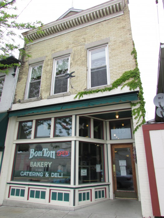 Bon Ton Bakery in Jefferson