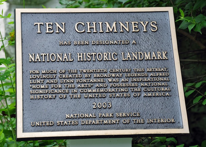 Ten Chimneys marker