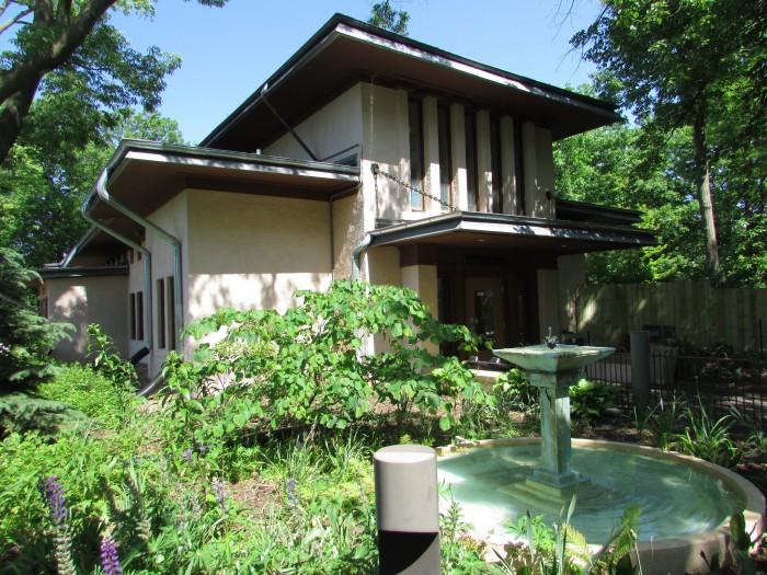 Anna Vilas Hall at Vilas Zoo