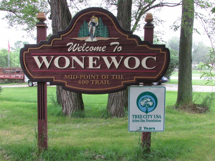 Wonewoc city sign