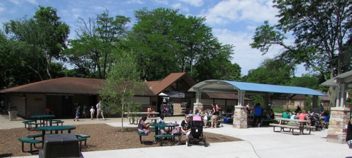 Vilas Zoo central area