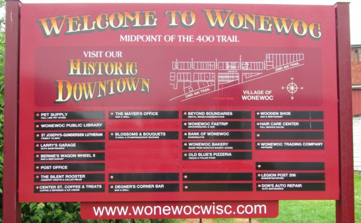 Wonewoc sign on 400 Trail