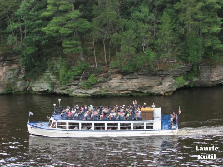 Upper Dells Boat Tour  Returning WM