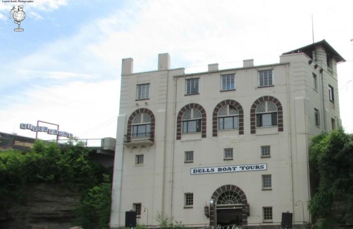 Upper Dells Boat Tour Station Building WM