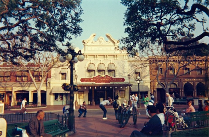 Disneyland Main Street 2