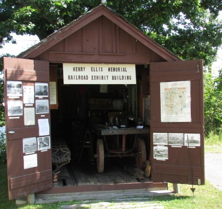 Henry Ellis Memorial Railroad Building in Westfield
